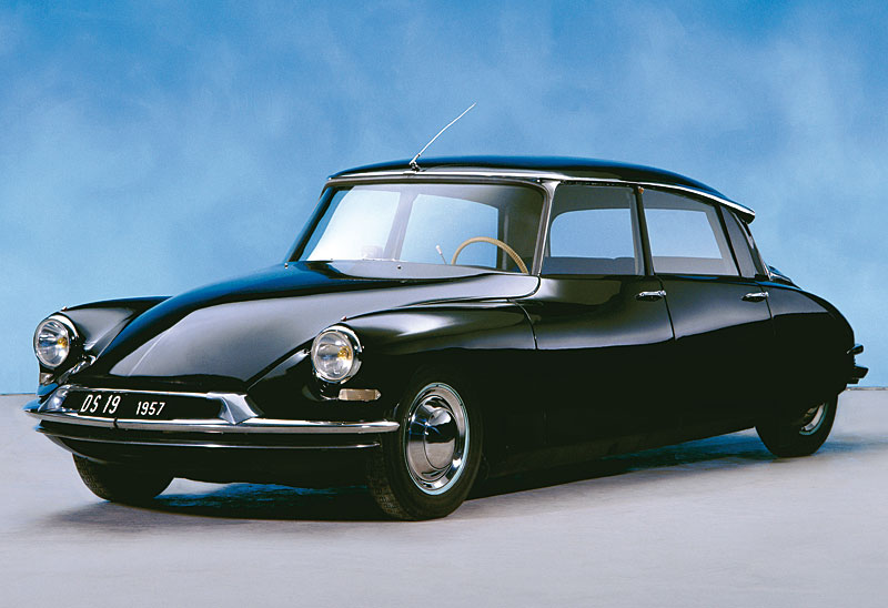 noire avg 01943010-photo-citroen-ds-19-berline-1957