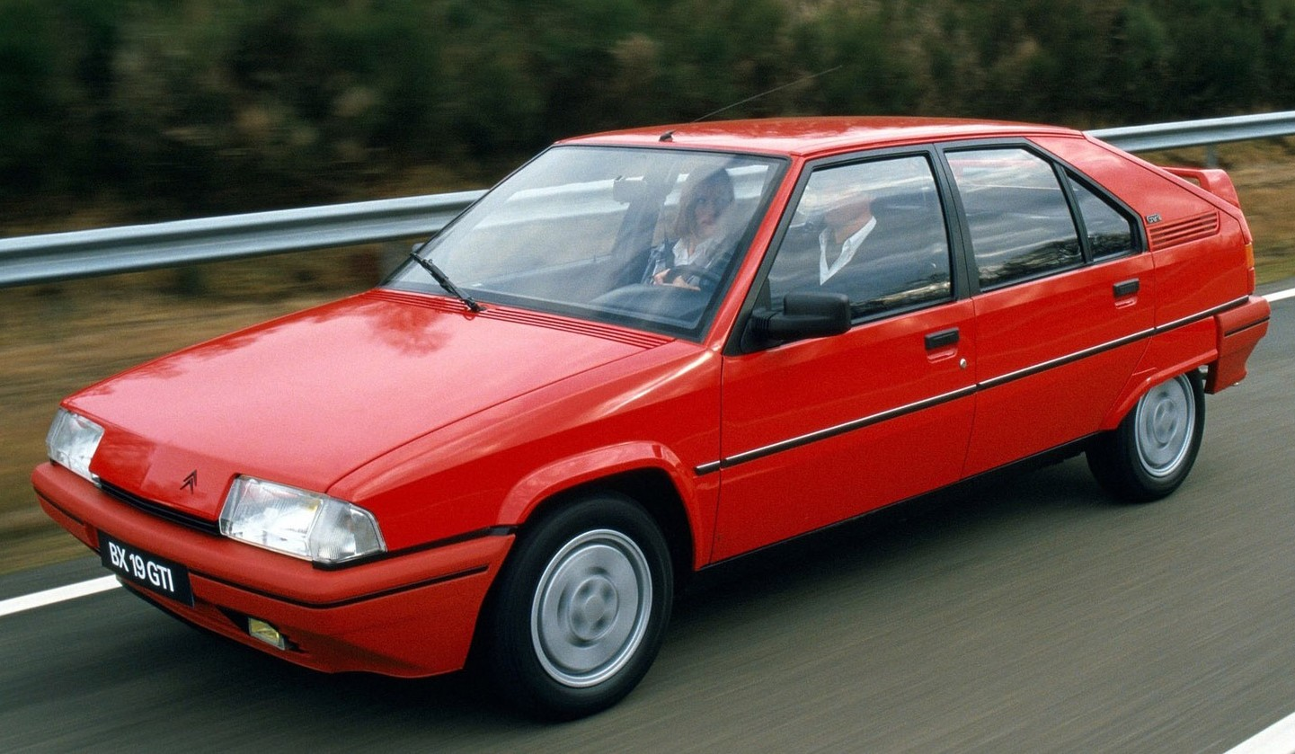 rouge avg 04433338-photo-citroen-bx